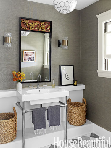 hbx-3-gray-powder-room-0412-clegSK-lgn